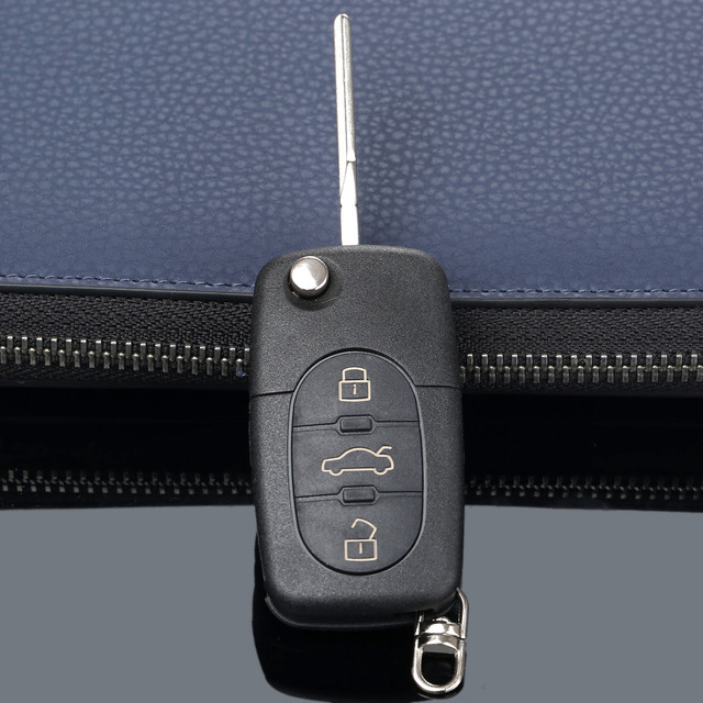3 Buttons Remote Folding Flip Key Shell Case Cover For Audi A2 A3 A4 A6 A8 TT CR2032 Car Replacement Fob Case Blank Blade