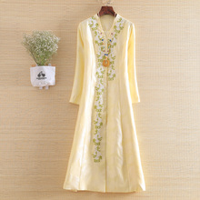 High-end New Autumn Women Trench Coat Elegant Embroidery V-n