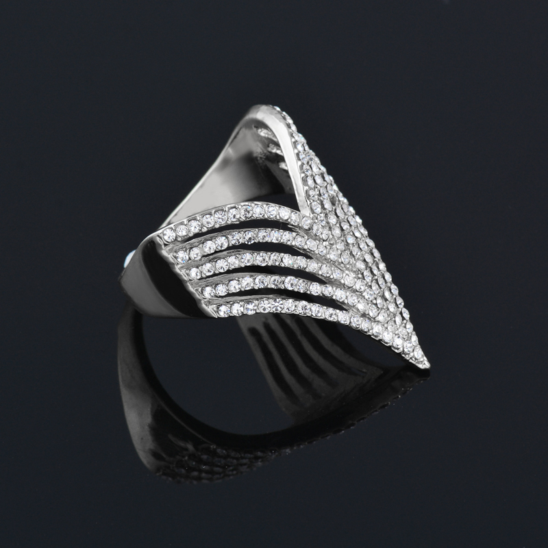 """Women's Luxury Design Full Cubic Zirconia Statement Jewelry - Silver or Gold """"V"""" Bling Ring - I Love Fashion 365 - Zovasa"""