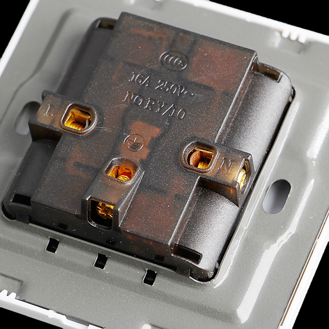 белая розетка панель универсальная 5 отверстий 10a электрическая фотография