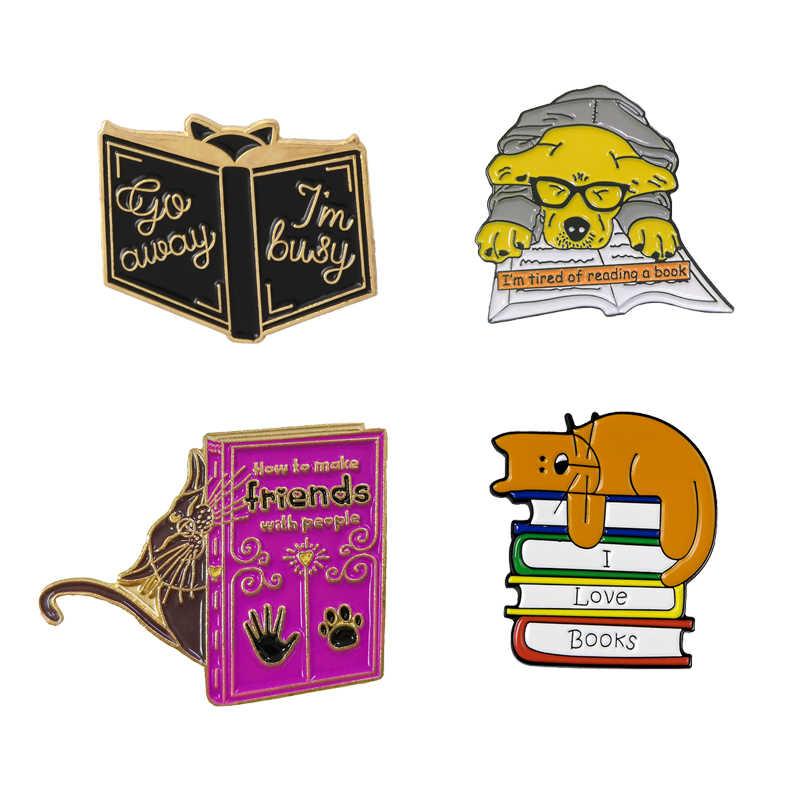 Amo leggere animali dello smalto pin Sveglio del cane del Gatto Amo I LIBRI spille Sonno sul libro perni del Risvolto badge Camicia sacchetto dei monili sacchetto di regali