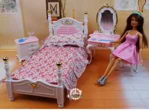 Image 1 - Muebles auténticos para dormitorio de barbie, accesorios para muñecas de princesas, 1/6 bjd, mini tocador, armario, juguete infantil regalo