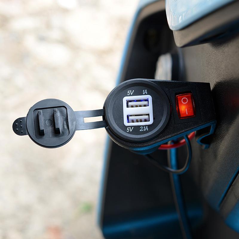 Универсальный автомобильный прикуриватель белый core dual usb