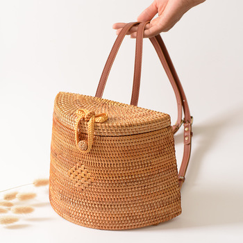 Women's Backpack Basket Retro Hand Woven Bag PU Belt Backpack Straw Travel Beach Bag Summer 2020 Bohemia dcos ins new ladies hand woven bag round rattan retro literary hand woven leather buckle package bohemia beach messenger bag