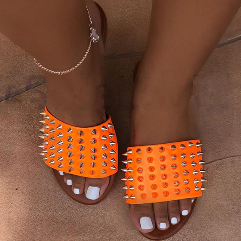 Women Rivet Slippers Flat Casual Ladies Slides Open Toe Outside Metal Decoration Soft Beach Shoes Summer Female Footwear 2020