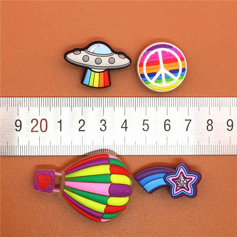 Unique vente 1pc Original chaussure breloques étoile filante UFO paix ballon chaussure accessoires boucle décorations ajustement Croc JIBZ enfants cadeau