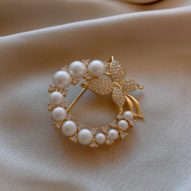 CINDY XIANG New Pearl and Rhinestone Circle Brooches for Women Baroque Trendy Elegant Butterfly Brooch Pins Party Wedding Gifts 4
