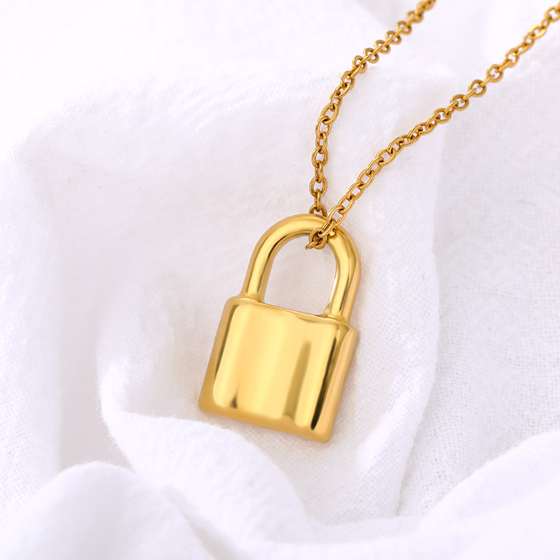 Fashion Punk Lock Necklaces For women Stainless Steel Gold Color Pad Lock Pendant Necklace Collier Best Couple Jewelry Gift