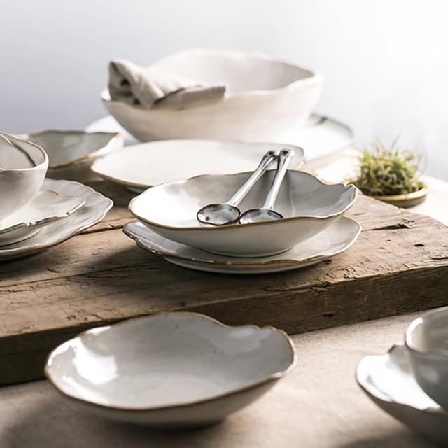Piatti Irregolari di Ceramica Bianca Fatti a Mano 24