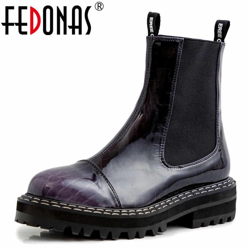 FEDONAS karışık renkler Patent deri kadın yeni Chelsea çizmeler moda kadın yarım çizmeler dans ayakkabıları kadın sıcak yüksek topuklu