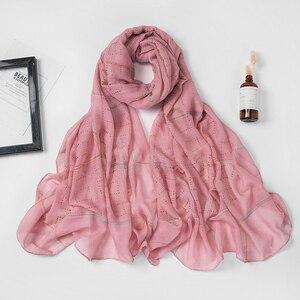 Image 5 - 1 pc新ダイヤモンドスカーフソフト綿ヒジャーブスカーフショールシャイニングラップビスコースイスラム教徒の女性のスカーフイスラムヒジャーブショールとラップ