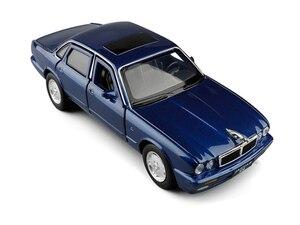 Image 3 - 1:32 maßstab Klassische Legierung Spielzeug Auto Metall Diecast Modell Sound Und Licht Pull Back Spielzeug Für Jungen Geburtstag Geschenke Jaguar XJ6 Kinder Spielzeug