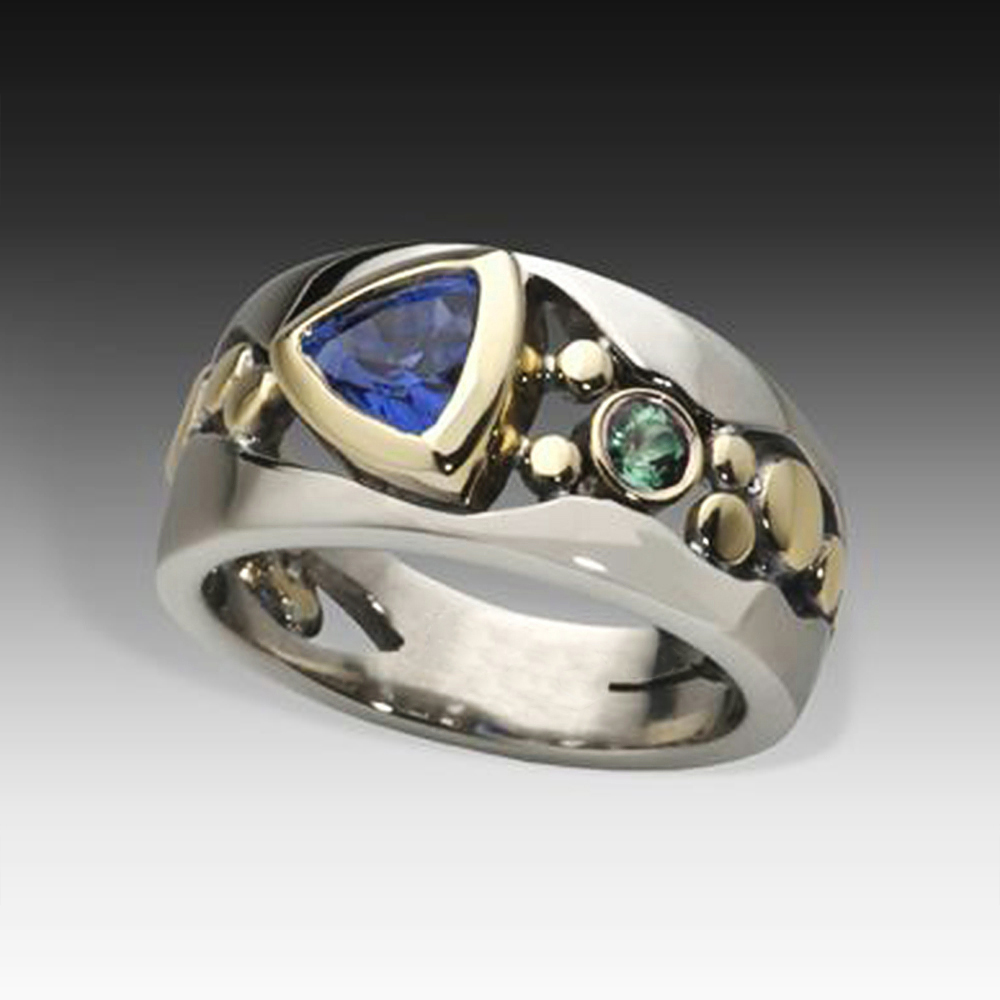 Huitan Vintage Hollow-out Band Ring Evening Dance Party Accessories Green Stone Graceful Two Tone Rings Jewelry for Mother Gift