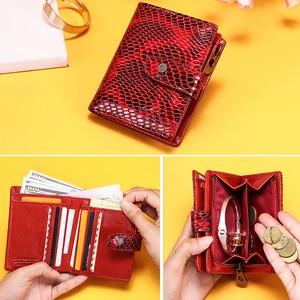 Image 2 - Billeteras de piel de cocodrilo rojo para mujer, bolso de mano femenino, tarjetero Rfid, billeteras teléfono móvil de lujo, monedero, billetera de bolsillo para monedas