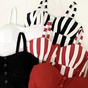 Image 2 - Gkfnmt クロップトップ女性キャミソールトップ女性キャミソール 2020 夏セクシーなノースリーブスリム低胸ボタン roupas femininas