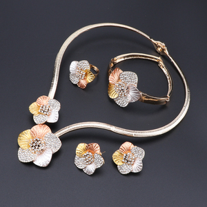 Image 2 - Nigerian Wedding Women Accessories Jewelry Set Fashion Dubai Gold Color Flower Shaped Jewelry Set Statement Bridal Jewelry Set