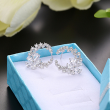 Son tasarım çiçek küpe mizaç basit moda metal kadın dekoratif kristal zirkon küpe kız sevgilisi düğün