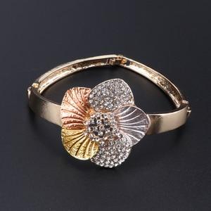 Image 4 - Nigerian Wedding Women Accessories Jewelry Set Fashion Dubai Gold Color Flower Shaped Jewelry Set Statement Bridal Jewelry Set