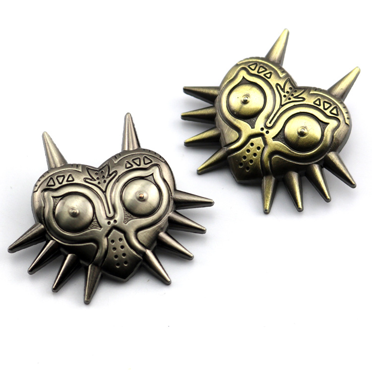 2019 Legend of Zelda Brooches Majoras Mask Pins Game JewelryMask Kolye Metal badge Pins Anime Cosplay Accessories Gift Props image