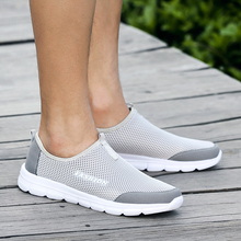 36-46 Summer Breathable Comfortable Mesh Male Running Shoes Lover's Trainers Walking Outdoor Sport Men Lightweight Sneakers