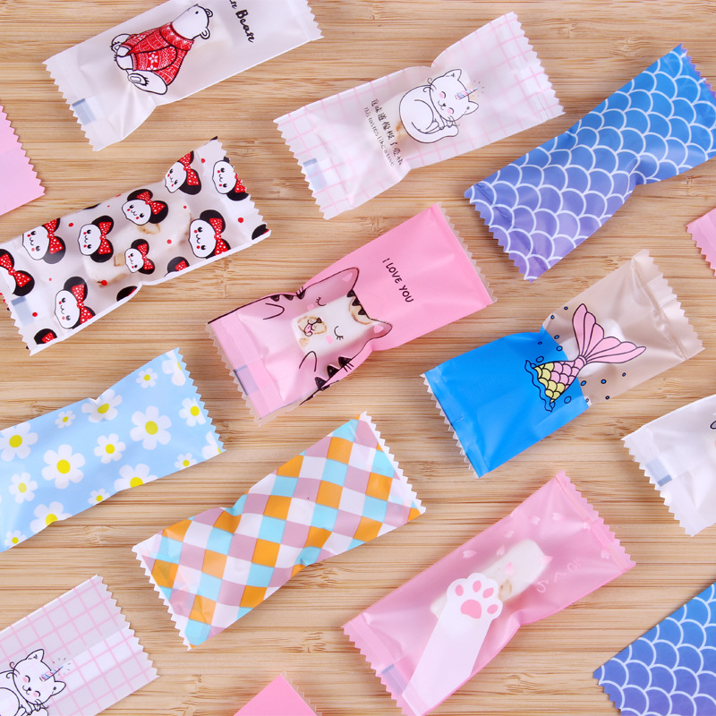 100 Pcs/Lot Cartoon DIY Handmade Nougat Candy Packaging Bags Milk Candy Taffy Wrapper Food Package Mini Bag