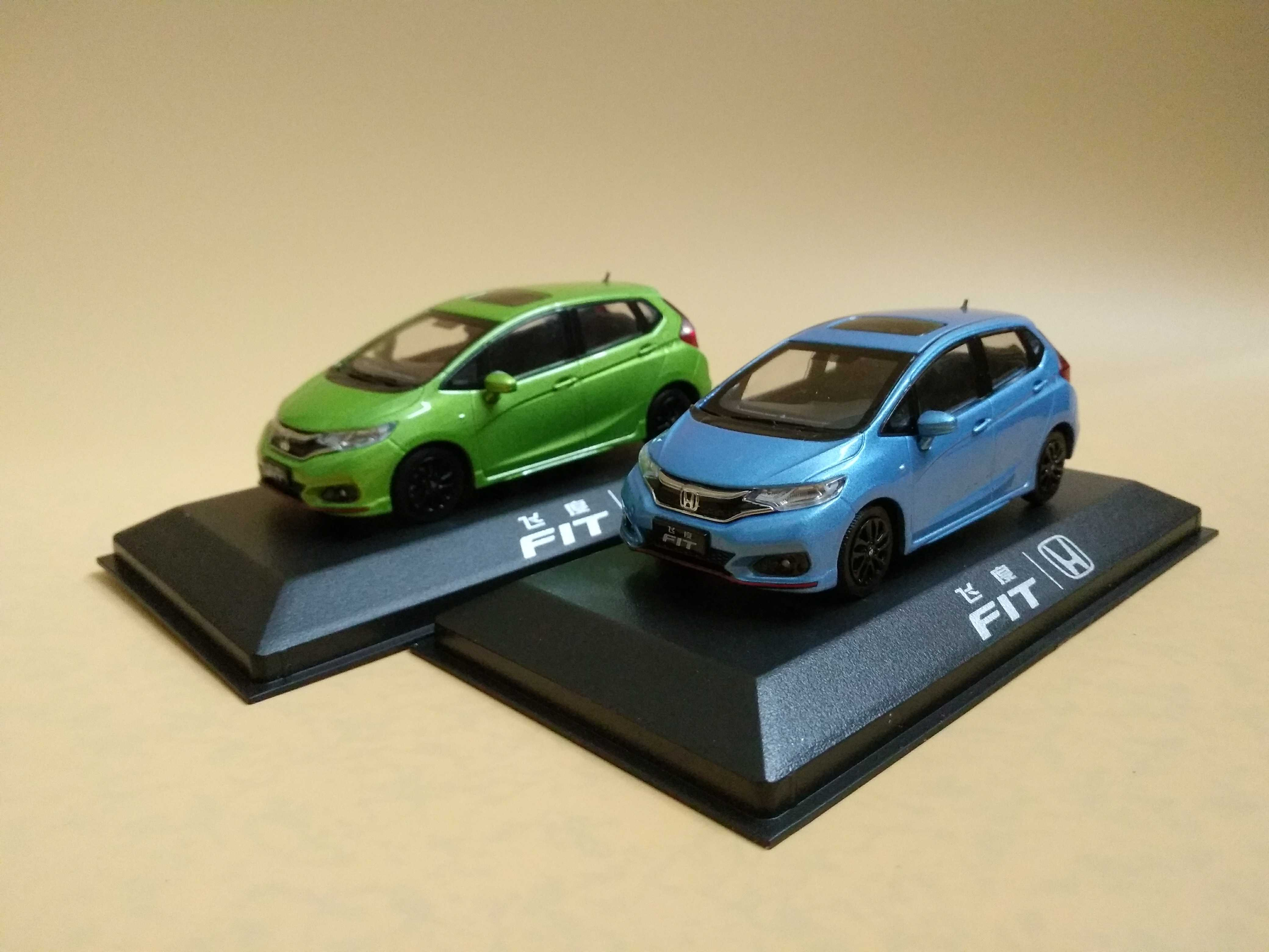 1:40 Diecast Model For Honda Fit Jazz Sport 2018 Alloy Toy Car Miniature Collection Gifts 1/43