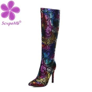 Botas de invierno coloridas y brillantes a la moda para mujer, tacón alto hasta la rodilla, puntiagudas, zapatos de fiesta para Club nocturno, zapatos con cremallera interior de terciopelo