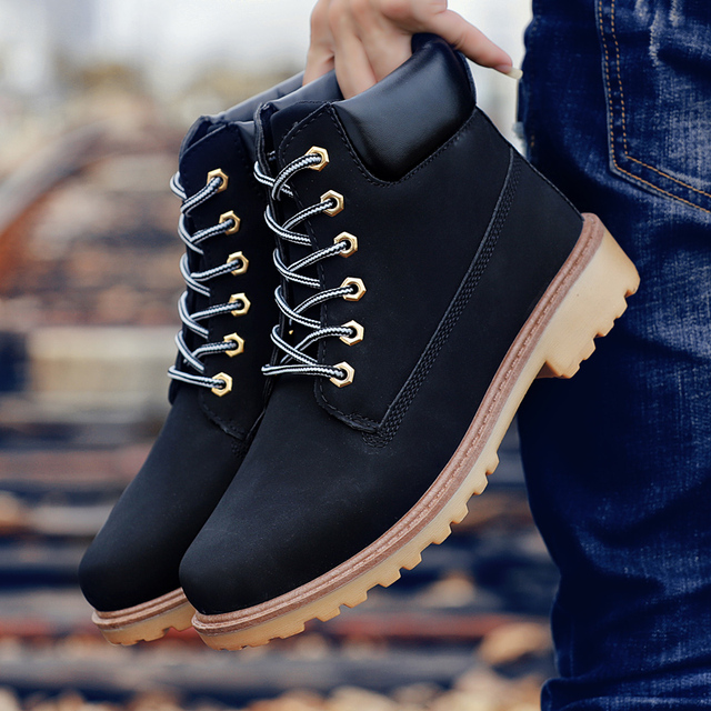 Coturno الأسود عالية أعلى الرجال الأحذية الجلدية الشتاء الثلوج أحذية الرجال مقاوم للماء مع الفراء الدفء الأخشاب بوت الجوارب الأحذية الأرض