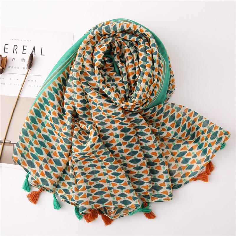 2020 Fashion Spring Summer Geometry Printing Cotton Scarf With Tassel Fashion Wraps Shawls Sunscreen Beach Hijab Wholesales