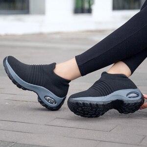 Image 4 - Uberu di Modo di Volo Tessuto Scarpe Da Tennis delle Donne Assorbimento Degli Urti Morbido Respirabile Comodo Casual Donna Runningg Scarpe Formato 35 42