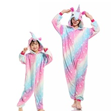 Flanelowa ze zwierzęciem rodzina pasujące piżamy stroje zimowe z kapturem Pegasus jednorożec panda piżamy Onesie matka dzieci bielizna nocna