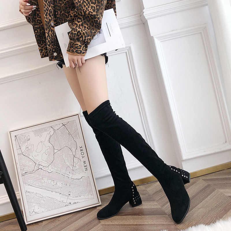 Perçin dekorasyon siyah diz çizmeler üzerinde kadın 6 Cm yüksek topuk bayan uzun çizmeler kış sıcak tutmak İnce uyluk yüksek çizmeler bayanlar