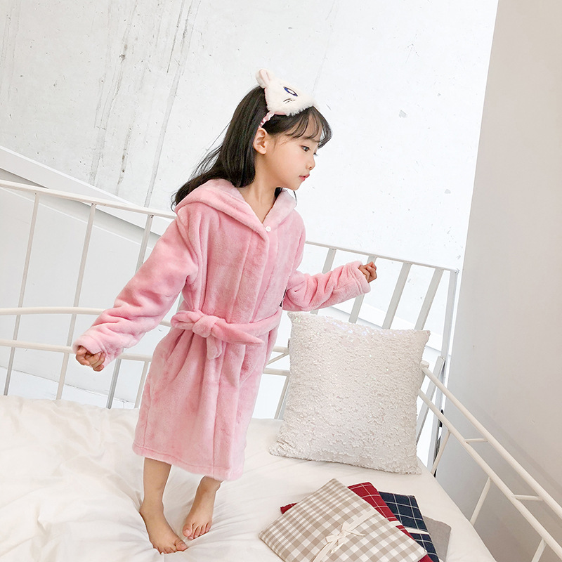 2019 Latest Autumn And Winter Bathrobe Children Flannel Tracksuit Solid Color Hooded Lace-up Bathrobe 10.3