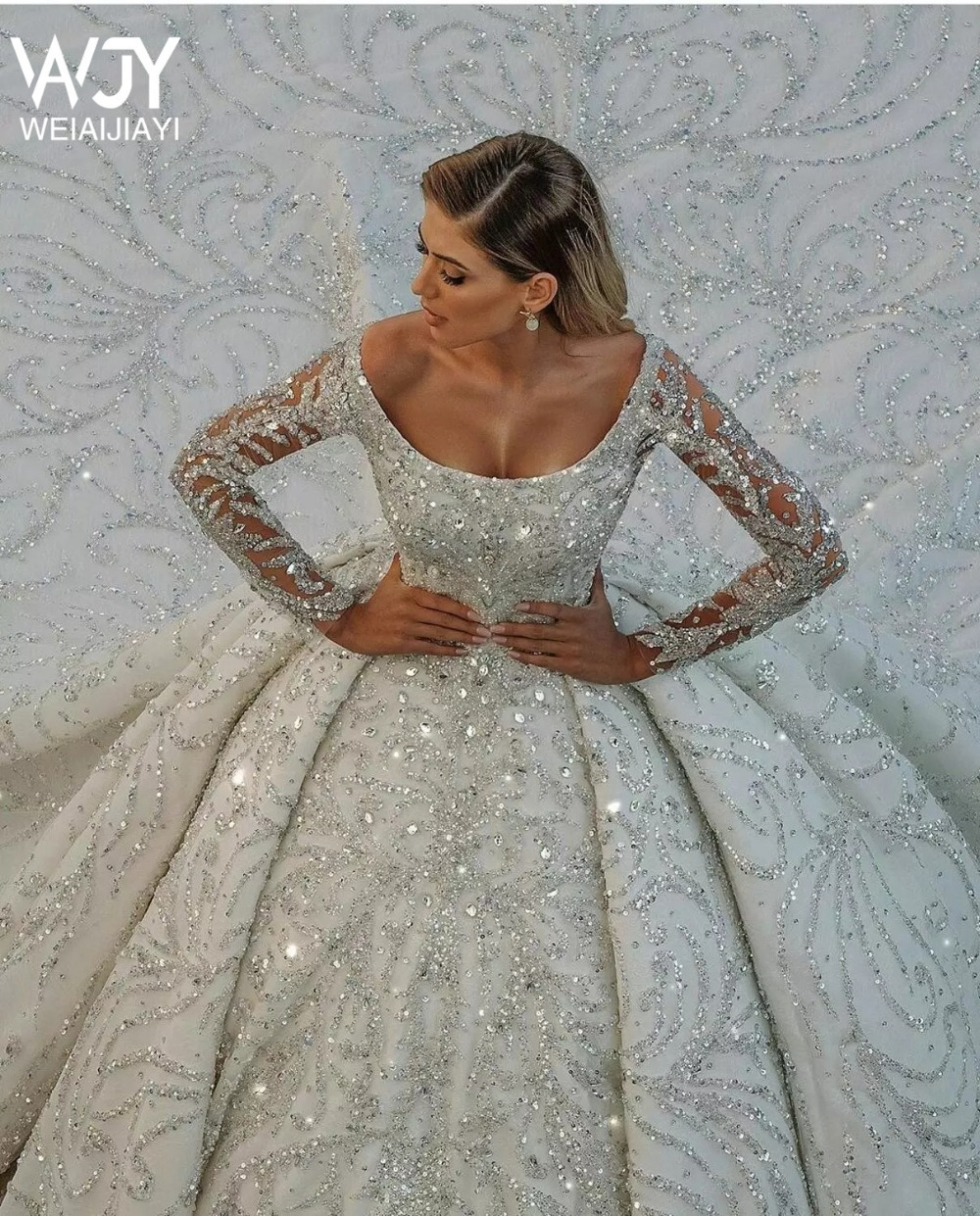 8            Luxury-Chapel-Train-Wedding-Dresses-Scoop-Neck-Long-Sleeve-Sequined-Arabic-Vintage-Bridal-Gowns-Robes-De.jpg_Q90.jpg_ (3)