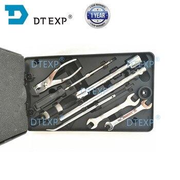 цена на REAR DOOR WORK BOX for Pajero fix tool set for Montero Shogun V31 V32 TAIL DOOR TOOL BOX V33 V43 V45 tools set available