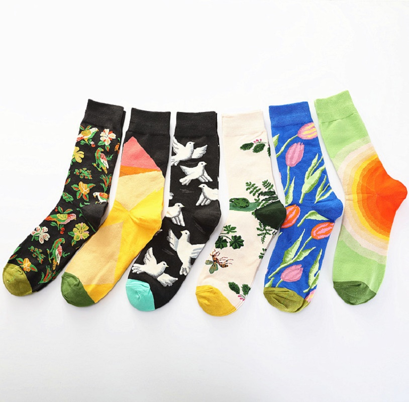 Unsex American Popular Socks With The Same Color Graffiti Flower And Bird Pattern Cotton Socks New Socks