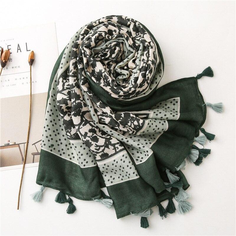 Fashion Autumn Women Soft Cotton Scarf Tassel Beach Hijab Shawls and Wraps Female Foulards Echarpe Muslim women hijab Scarves