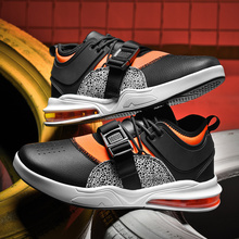 2020 four seasons explosion shoes mid top sports tide shoes mens casual shoes new listing fashion sports shoes casual shoes