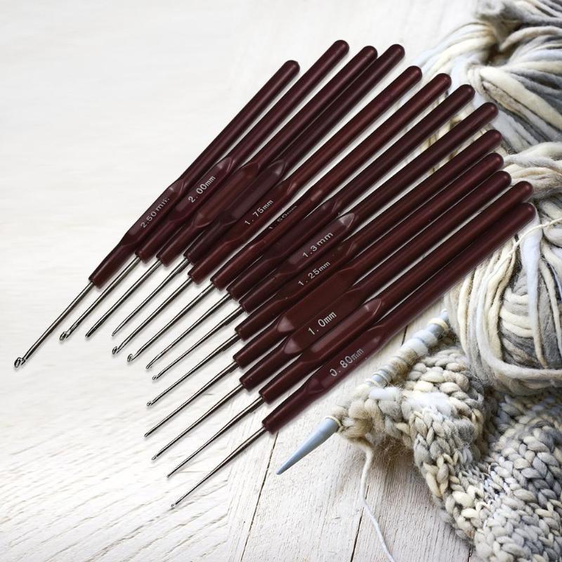 16Pcs//Sizes Aluminium Crochet Hook Needle Set with Brown Handle 0.5mm-2.5mm