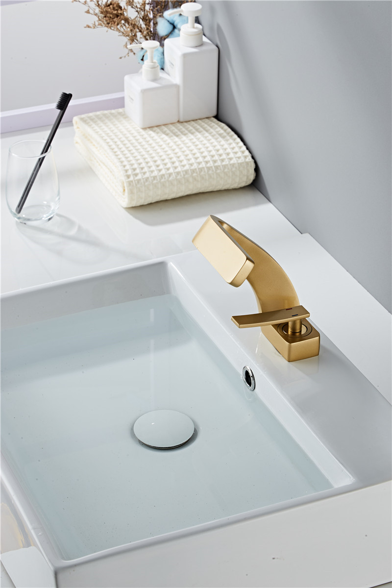 H46e27572b24645b5bc6b1f78d03d19e2B Tuqiu Basin Faucet Modern Black Bathroom Mixer Tap Brushed Gold/Nickel/Chrome Wash basin Faucet Hot and Cold Sink Faucet New