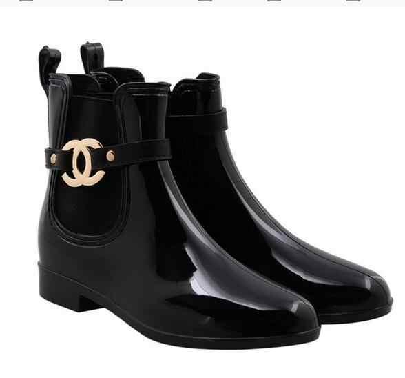 Mode Wasserdichte Rain Hohe Qualität PVC Gummi Schuhe Frauen Regen Stiefel Schwarz Kurze Stiefeletten für Damen Mädchen Frau Winter