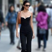 Kendall Jenner Inspirée Coeur Singulet Sculpté Réglable Bretelles Cœur Encolure Extensible Haut Court Avec Reliure Contrastante