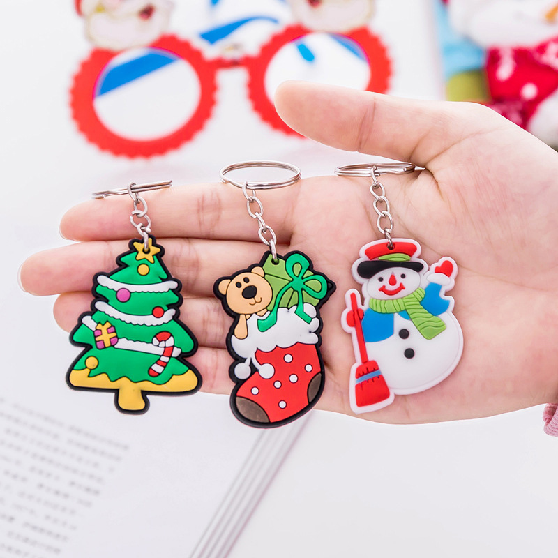 2019 New 1pcs Santa Claus Pvc Keychains Gift Cartoon Jewelry Funny Christmas Key Rings Bags