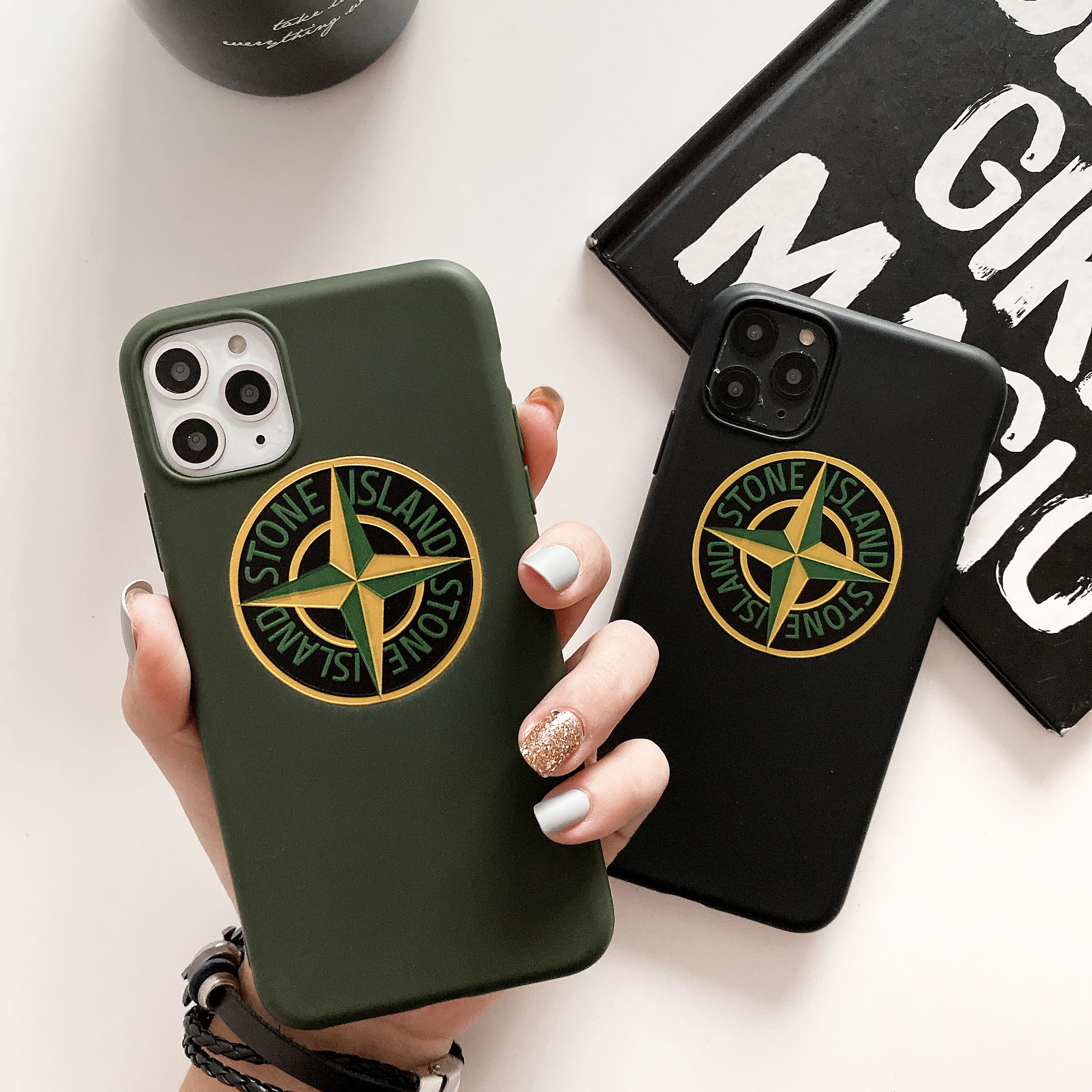 Cute Fashion Minimalist Popular Brand Stone Medal Logo Silicone Case For Iphone 11 Pro X XR XS MAX 6 7 8 Plus Luxury Phone Cover