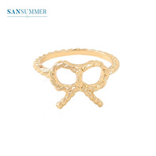 Sansummer 2019 New Women Rings Fashion Metal Bowknot Lovely Trendy Female Hollow-Out Golden Color Ring Jewelry 5807