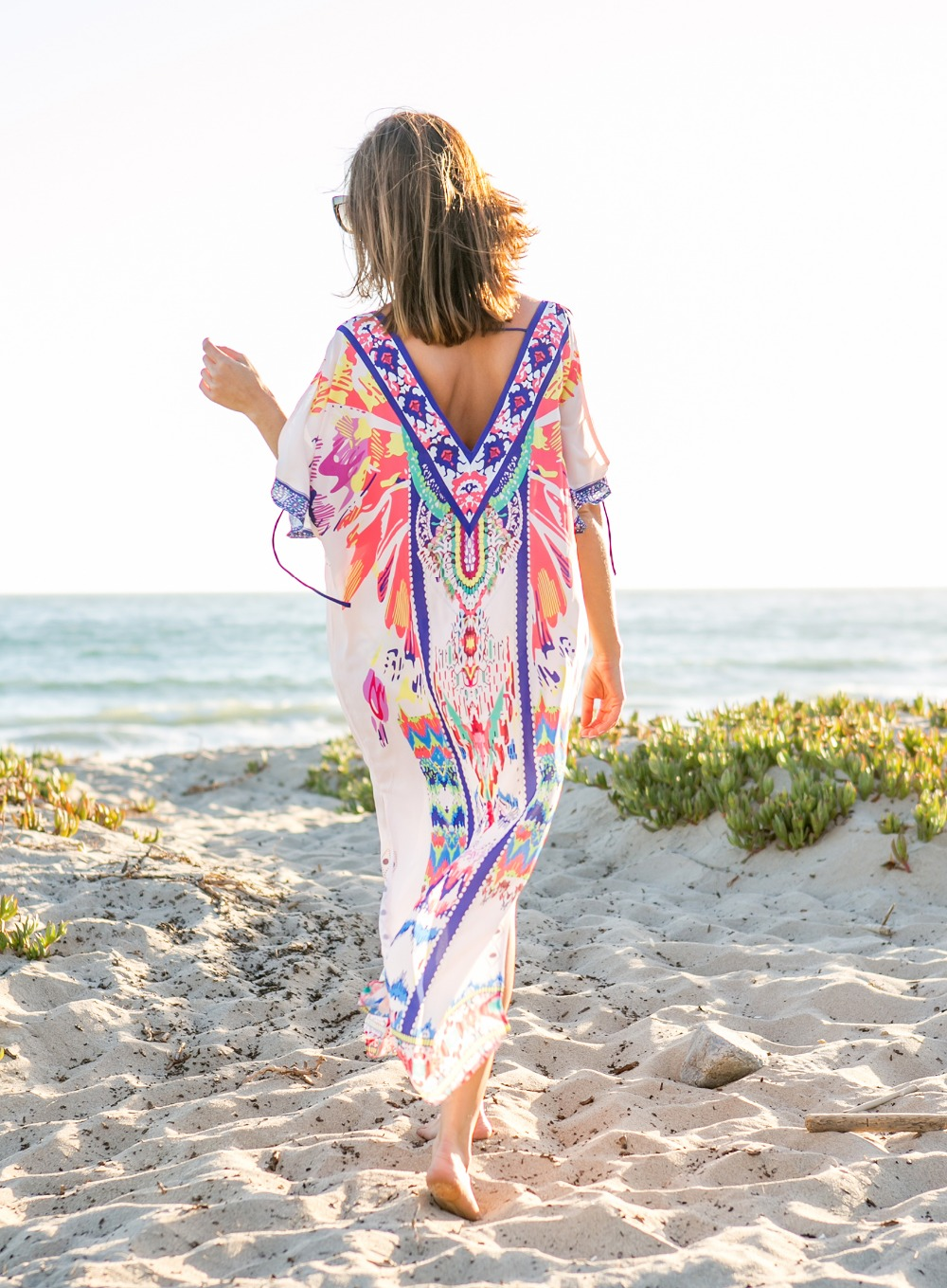 Sydne-Style-shows-what-to-wear-to-the-beach-in-the-caftan-trend
