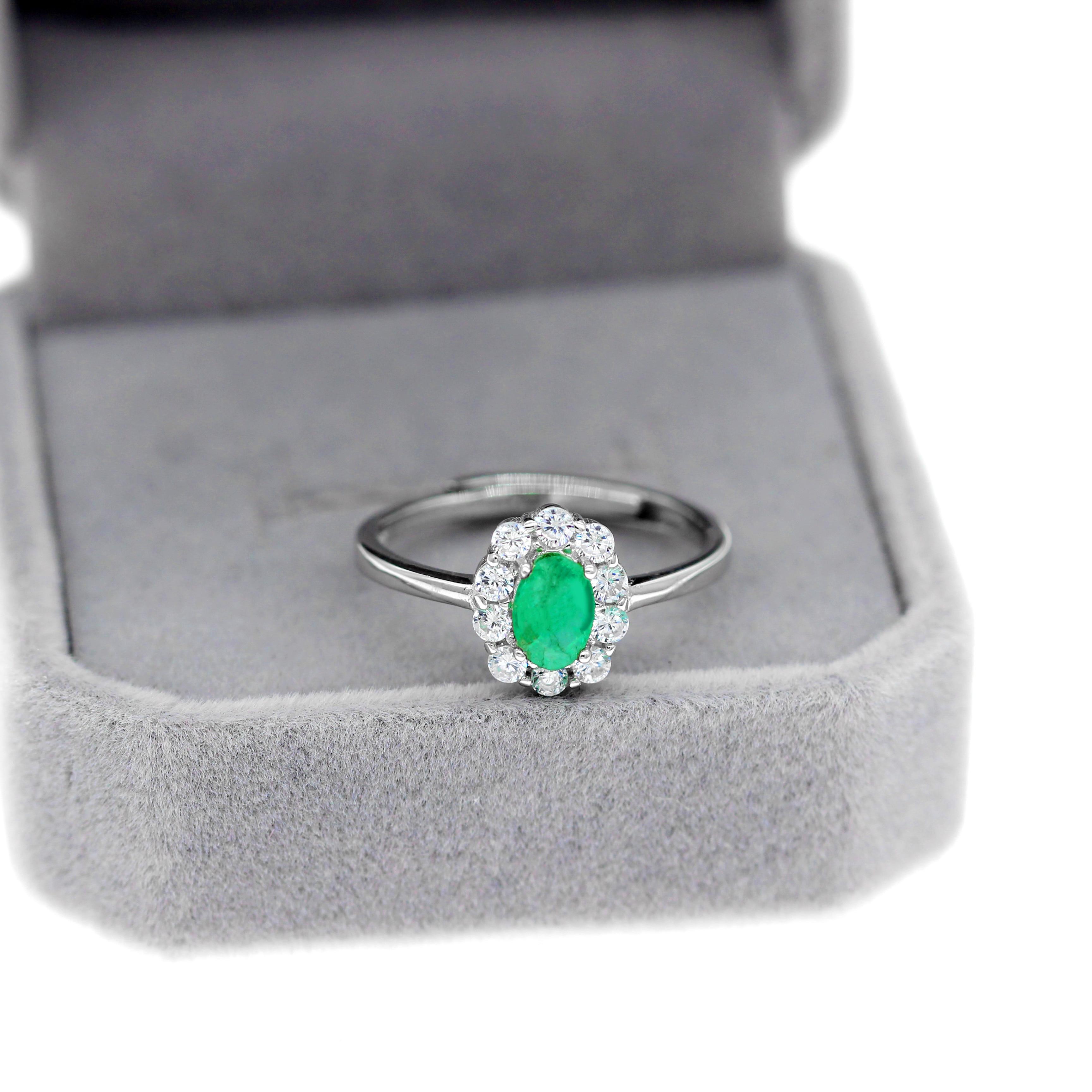 Uloveido Green Emerald Ring, Flower Rings, 925 Sterling Silver, 4*6mm Certified Gemstone Engagement Wedding Jewelry for Women
