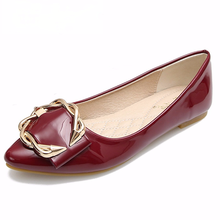 2021 New metal buckle flat shoes woman Patent Leather Metal Decoration flats pointed espadrilles loafers women creepers