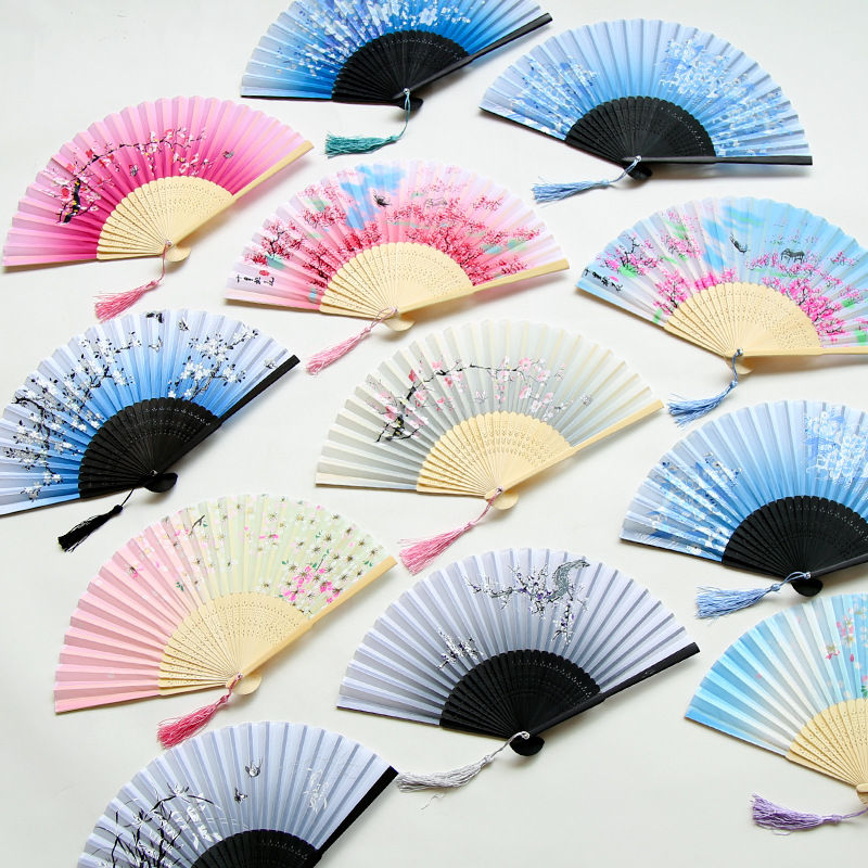 Vintage Chinese Style Dance Wedding Party Lace Silk Folding Hand Held Flower Fan Party Performance Hand Held Props High Quality