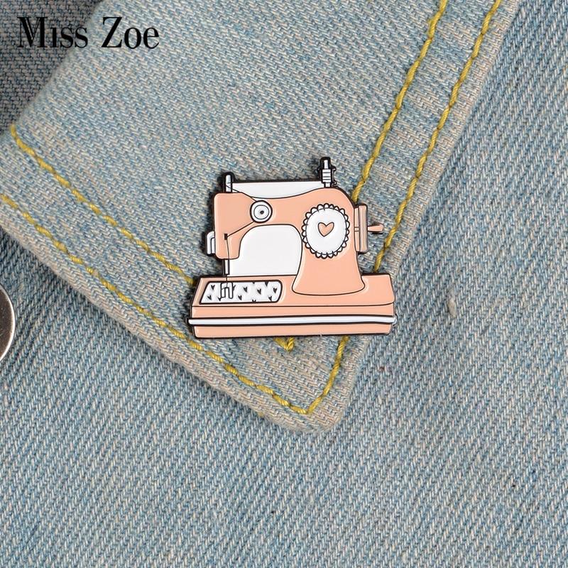 Розовый швейная машина эмали штырь Пользовательские мешочек для брошек одежда штырь отворотом ручной работы значок мультфильм, ювелирное ...